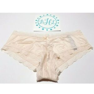 Victoria's Secret Intimates & Sleepwear - Victoria's Secret Push Up Bra Set 34D/L